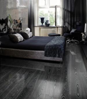 черный паркет в интерьере спальни